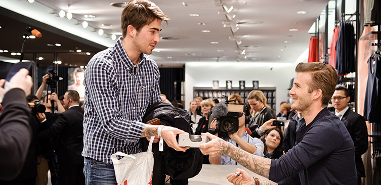 David Beckham at a product signing event at H&M. Of all the Berlin locations available, he chose Alexa.
